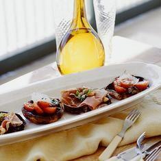 Grilled Portobello Pizzas (via foodily.com)