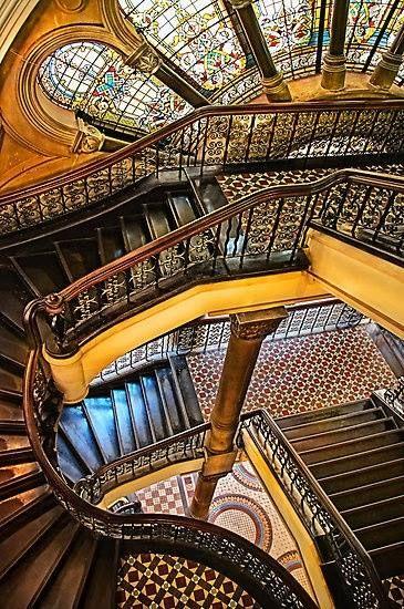 unglaublich schönes Treppenhaus