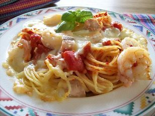 Pasta mit Lachs und Garnelen