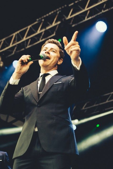 A Professional And Passionate Swing Singer Who Led His Vocal Harmony Group To The Finals In Britain S Got Michael Buble The Wedding Singer Event Entertainment