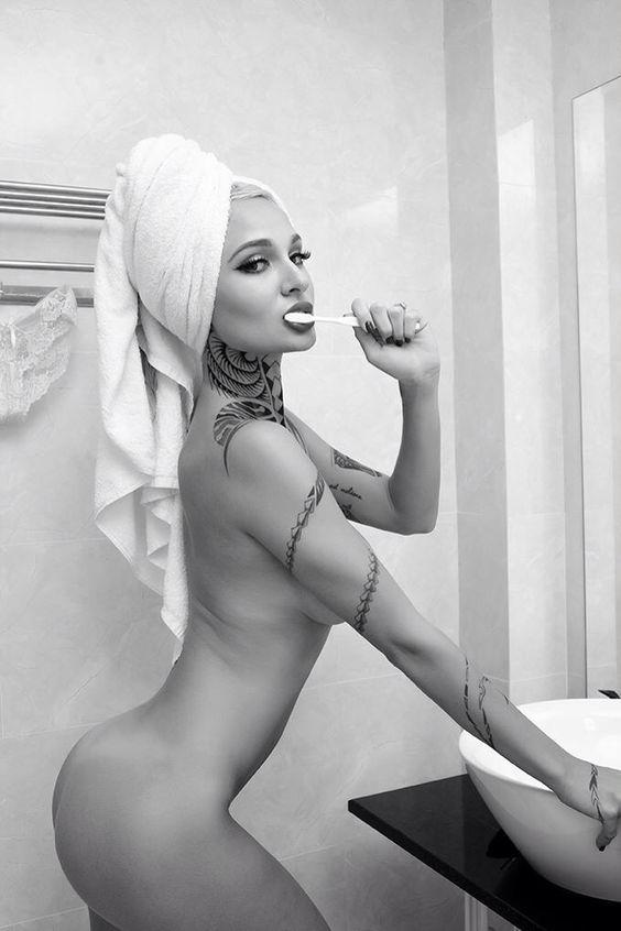 Tessa lizz nude