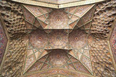Resultados de la Búsqueda de imágenes de Google de http://www.viewiran.com/ImageBox/Cities/album/Shiraz/slides/mosquee-nasir-ol-molk_01.jpg