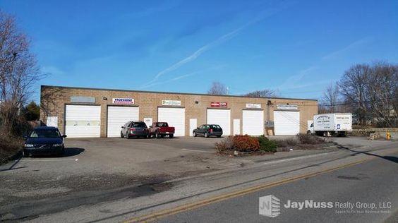 Multiple Bay Garage Building Industrial For Lease