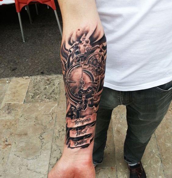 Tattoo Schrift Zifferblatt