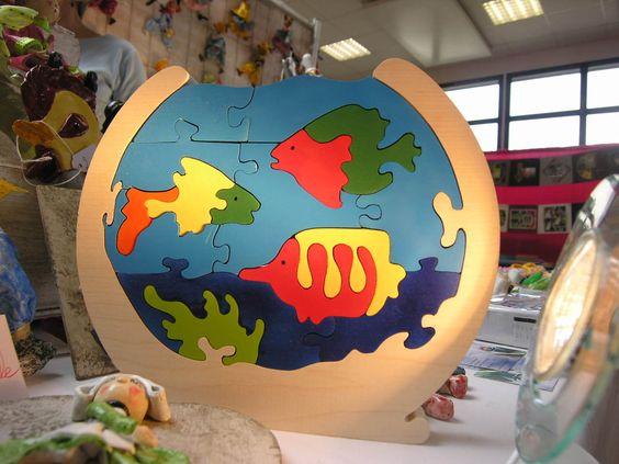 Puzzle en bois aquarium et poissons ludique et en bois for Jouet aquarium poisson