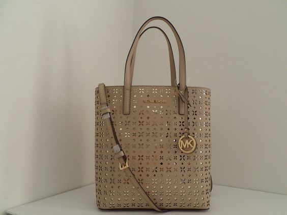 NWT AUTHENTIC MICHAEL KORS HAYLEY MEDIUM FLORAL PERFORATED N/S TOP ZIP TOTE-$268 https://t.co/J7dtMC5WV3 https://t.co/DCA3l8XVPS