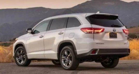 The 2020 Toyota Highlander Redesign And Release Date Are Being Waited By Highlander Lovers Toyota Keep Updati Toyota Innova Toyota Venza Toyota Highlander Xle