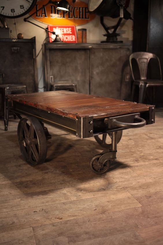 Chariot ancien d 39 usine de fonderie table basse deco loft for Table basse style loft