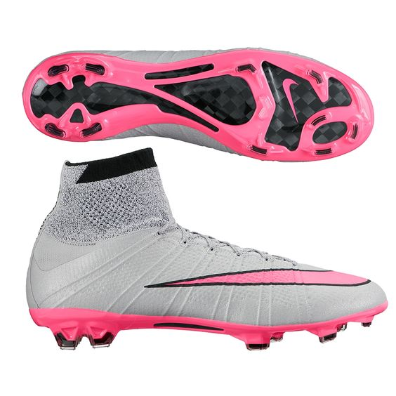 Probably the hottest soccer boot on the planet, the Nike Mercurial Superfly IV soccer cleats use the unique dynamic collar, Flyknit upper, and Flywire to help you play fast and keep control. Order your new pair of Nike Superfly soccer cleats today at SoccerCorner.com http://www.soccercorner.com/Nike-Mercurial-SuperFly-IV-FG-Soccer-Cleats-p/sm-ni641858-060.htm