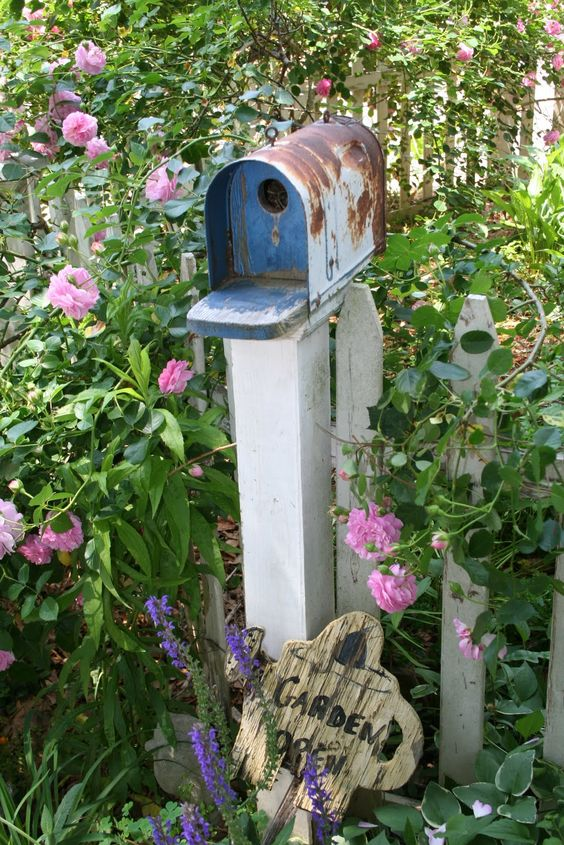 pictures of bird houses made out of junk | Recycled mail box made into bird house by terri