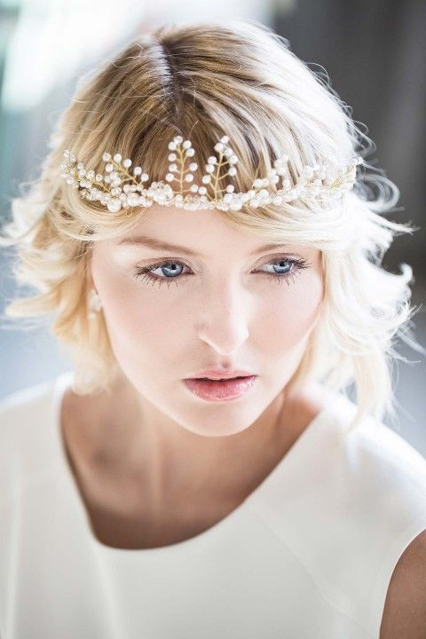 Hochzeits-Noblesse: schlichte Romantik im Loft-Style ELENA ENGELS http://www.hochzeitswahn.de/inspirationsideen/hochzeits-noblesse-schlichte-romantik-im-loft-style/ #wedding #bride #bridestyle