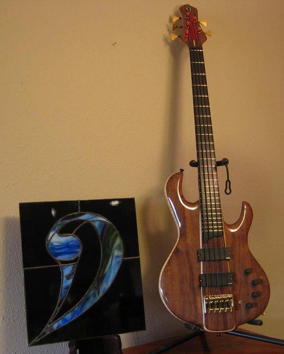A Drake custom 5 string.
