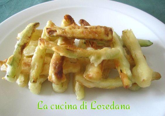 Bastoncini di zucchine fritte in pastella