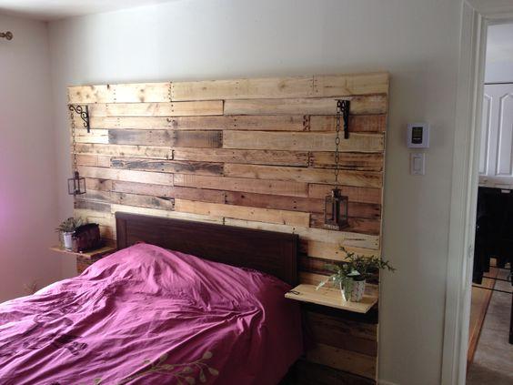 Mur de chambre avec tables de chevet int gr es mes - Tables avec rallonges integrees ...
