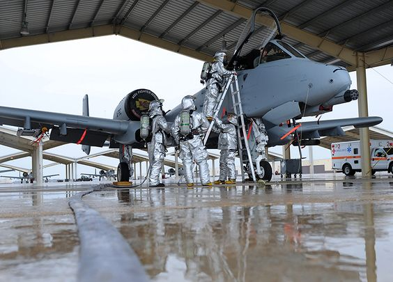 The Aviationist » In photos, evacuation of a simulated incapacitated A-10 Thunderbolt pilot