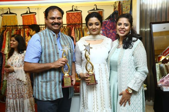 Actress Vimala Raman Inaugurate Style Bazaar Exhibition