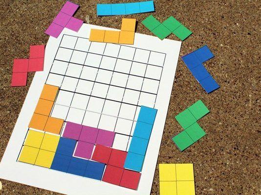A Logica Do Encaixe Baixe E Imprima Jogo De Tetris Gratuito Printable Games For Kids Printable Games Printable Board Games