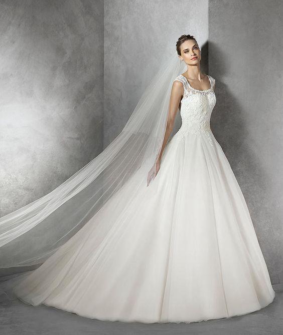 Torla, robe de mariée en dentelle, décolleté en cœur
