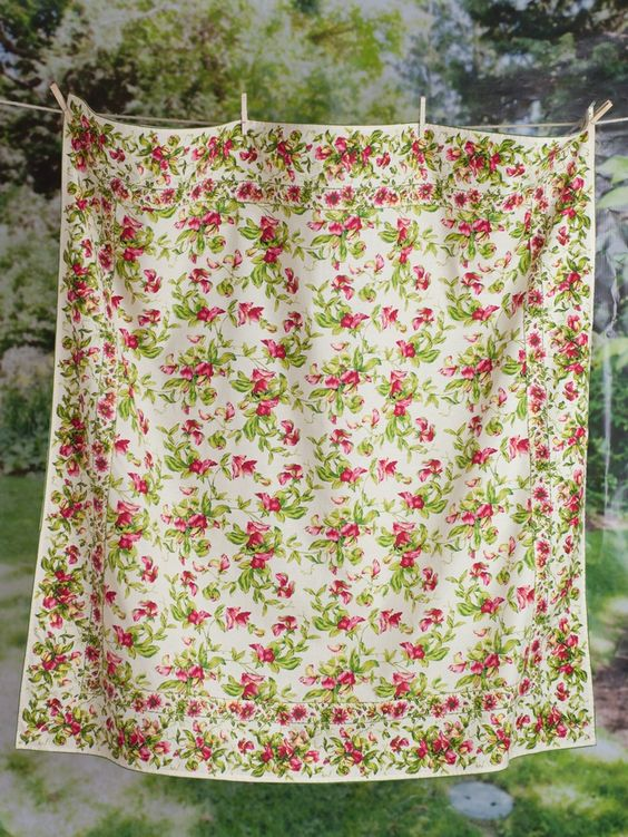 Sweet Pea Tablecloth | New Arrivals!, Kitchen Linens :Beautiful Designs by April Cornell