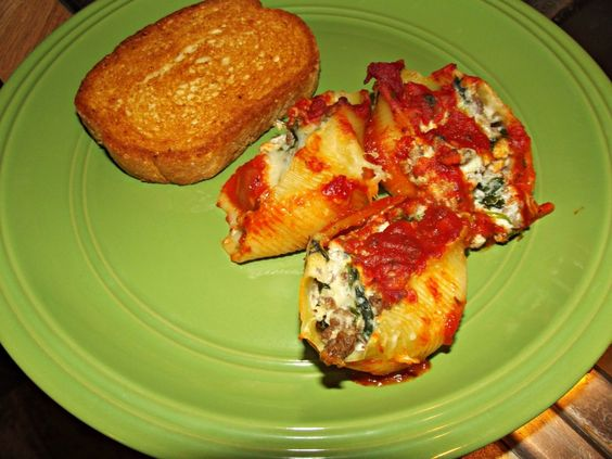 Recipe for spinach and beef stuffed shells in love for Hamburger dinner ideas for tonight