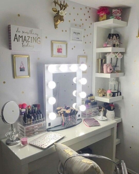 Vanities teen rooms and mirror on pinterest for Cute makeup vanity