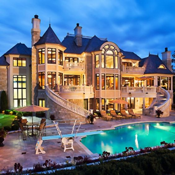 12 luxury dream homes that everyone will want to live inside big houses fancy and real estate - Big House