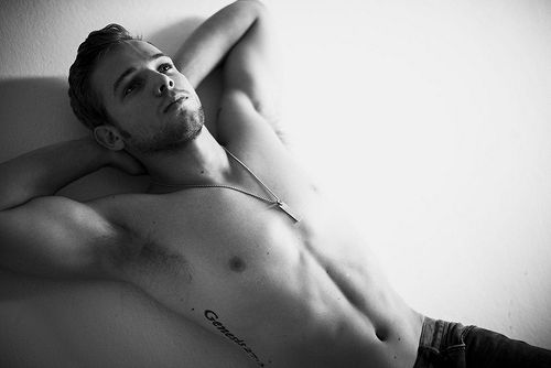 Max Thieriot. Fine, so fine. And Bates Motel comes back on tonight. So happy.