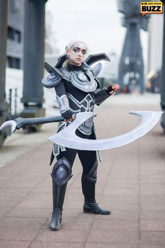 Male Diana from League of Legends. Cosplayer: Dier Cosplay ...