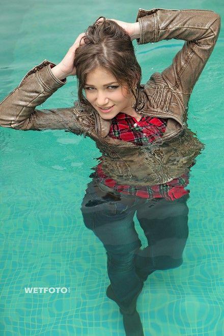 70286e47a Pin auf soaking wet girls