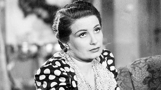 Marina Esther Traverso fue una actriz, guionista y humorista argentina, conocida con el seudónimo de Niní Marshall.
