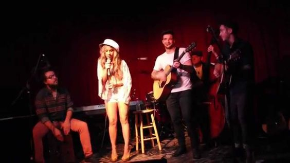 "Haley Reinhart ""I Hear You Knockin' "" Hotel Cafe"