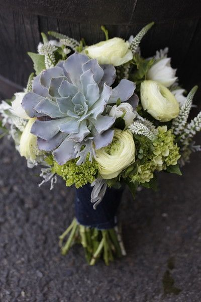 Beautiful succulent wedding bouquet {Twisted Willow Flowers}