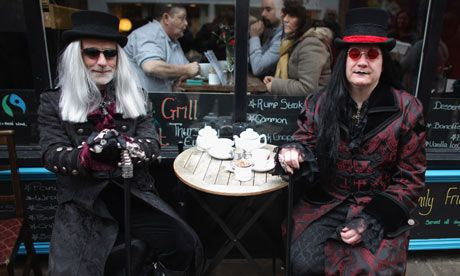 Drawn to the shadows of a #Gothic aesthetic... I want to be these guys when I'm older XP