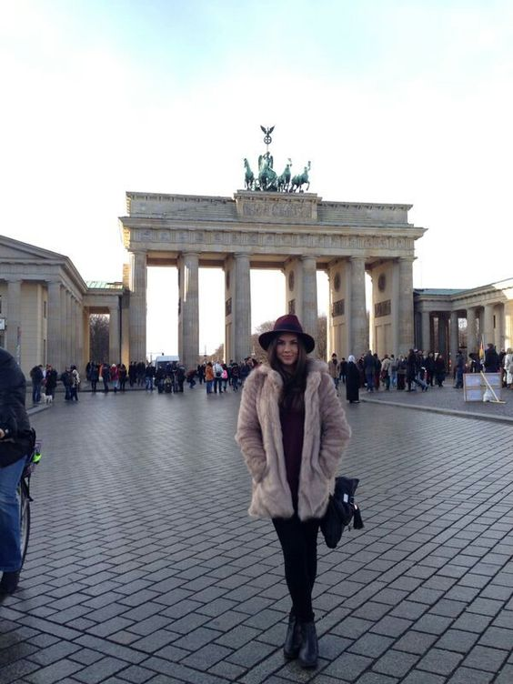 Braneburg tor - Berlin - Germany - Fur coat - Winter