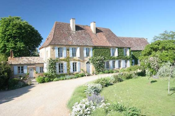 Classic french homes i just love pinterest for French manor house