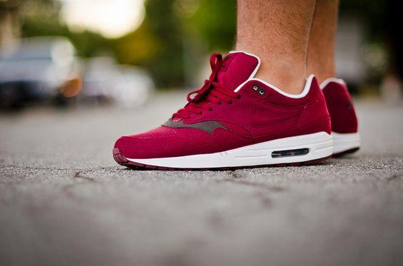 Nike Air Max 1 x Red Velvet