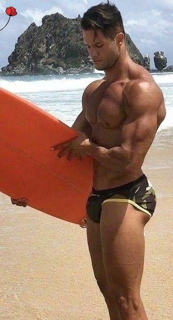 nackt behaarte mann nackt strand