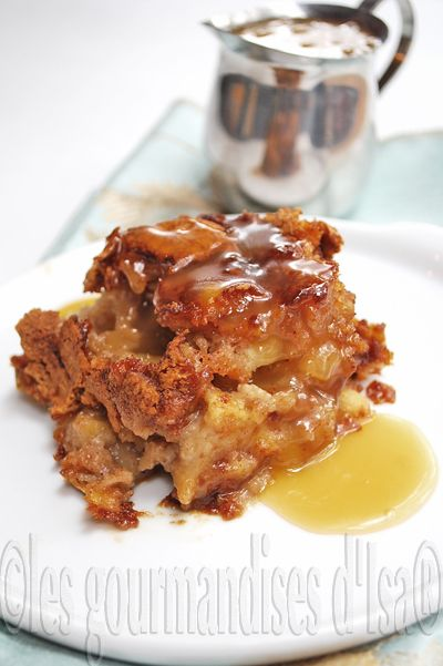 Gâteau-pouding aux pommes, sauce au caramel - TBON remplacé noix de pécan par du praliné en grains et sirop de maïs par sirop d'érable