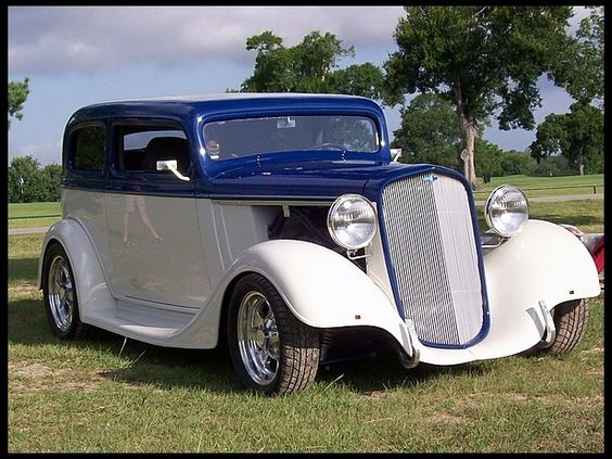 Cars sedans and chevy on pinterest for 1935 chevy 2 door sedan