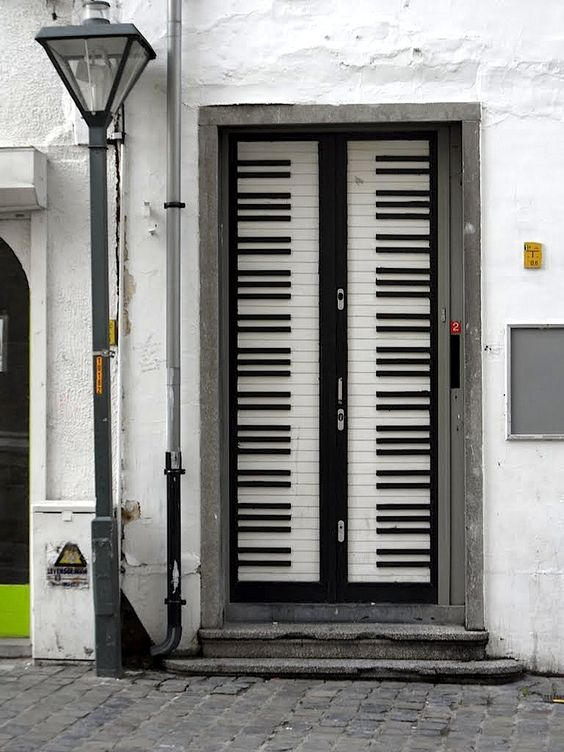 Piano Keyboard front door! Wonder if a piano teacher lives here.
