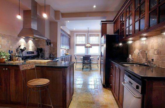 cuisine con ue en noyer noir am ricain fini l 39 huile comptoir en granite poli noir du qu bec. Black Bedroom Furniture Sets. Home Design Ideas