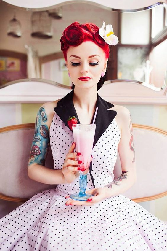 New Lady Carotta collection is coming! Beautiful dresses and accessories for girls who love fashion of the 40's and 50's. Retro, vintage and rockabilly! <3 Visit Lady Carotta online store and find something for you: http://ladycarotta.pl/You can also find her stuff on facebook: CLICK