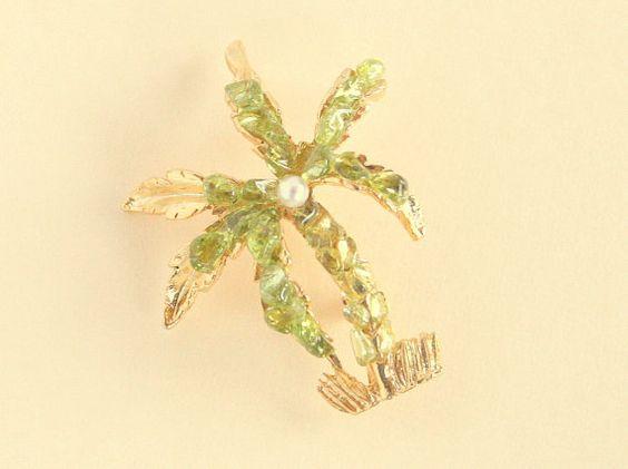 Vintage Palm Tree Figural Brooch Olivine by CamanoIslandVintage, $27.50