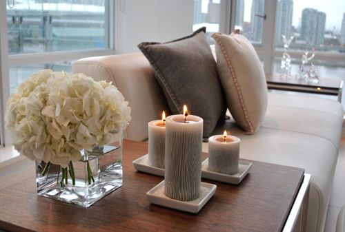 candles & flowers: Interior Design, Side Table, Candle, Living Rooms, Decor Ideas, Livingroom, Decorating Ideas, House Idea