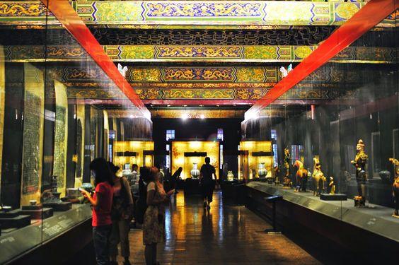 Theo dingf lịch sử khi đến với Bảo tàng Cung điện quốc gia