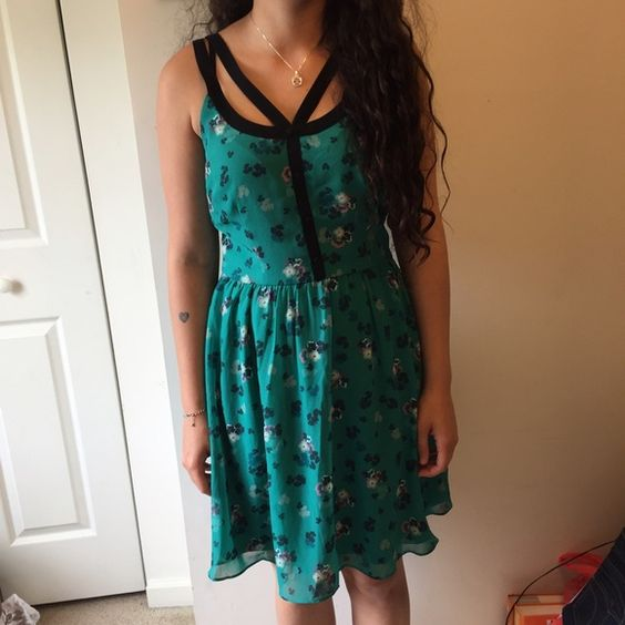 Lauren Conrad Chiffon Floral Spring Dress New with tags detached. Beautiful, floral dress. Perfect for the Spring. Lauren Conrad Dresses