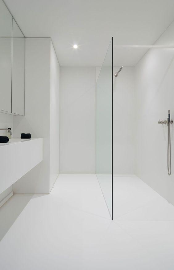 10 Fotos Inspiradoras De Banos Blancos Banos Interiores Diseno