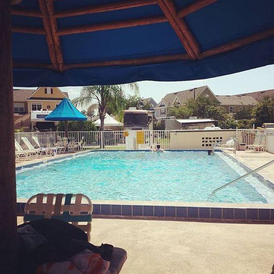 Got the pool to ourselves today at #KOA #Orlando. #LazyRVAdventure #GC15 @pasjosh