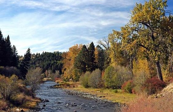 Fall colors adorn a river valley in the northeastern corner of Oregon, where the aridity of the central desert disappears. Photo by Kimberly Buzan, special to the Chronicle    Read more: http://www.sfgate.com/travel/article/OREGON-S-WILD-WILD-EAST-WALLOWA-VALLEY-Chief-2531905.php#ixzz2L6A7HzwE