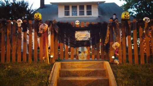DIY Halloween decorations Ouija board